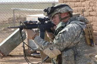 美軍物色大口徑步槍 貫穿現代防彈衣