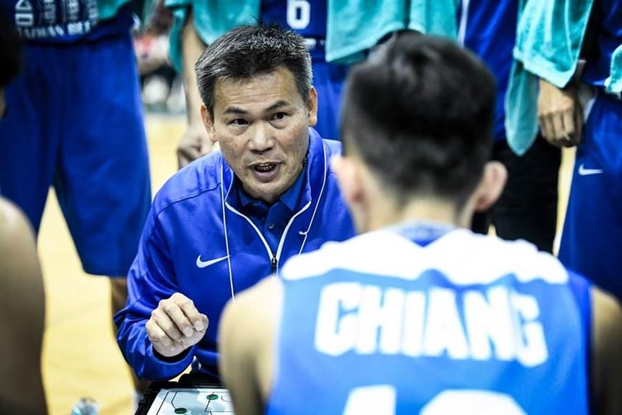 中華男籃擊敗韓國奪得東亞錦標賽冠軍,但因為慢熱缺點,總教練只給中華隊打70分。(圖/摘自亞洲籃總官網)