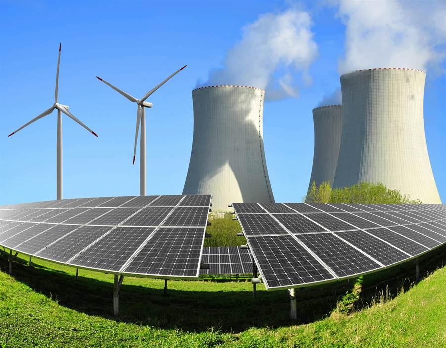 低碳能源有太陽能與風能,核能也是,但經常被忽略。(圖/switch my business)