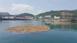 海上垃圾達10噸! 基隆海巡出動淨海