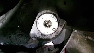 三秒膠灌機車 犯行被自家監視器錄下