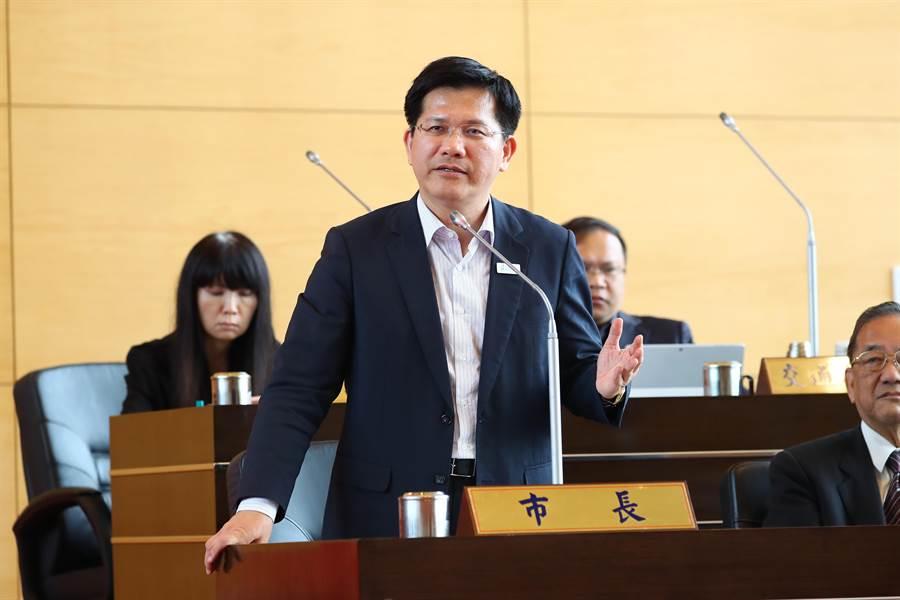 台中市長林佳龍表示,因該案已進行司法程序,他尊重司法獨立辦案,但盼法院慎重,以保護受害者避免遭受二度傷害。(盧金足攝)