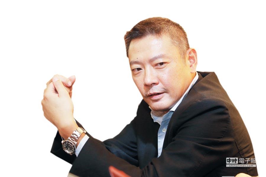 新光三越執行副總吳昕陽。