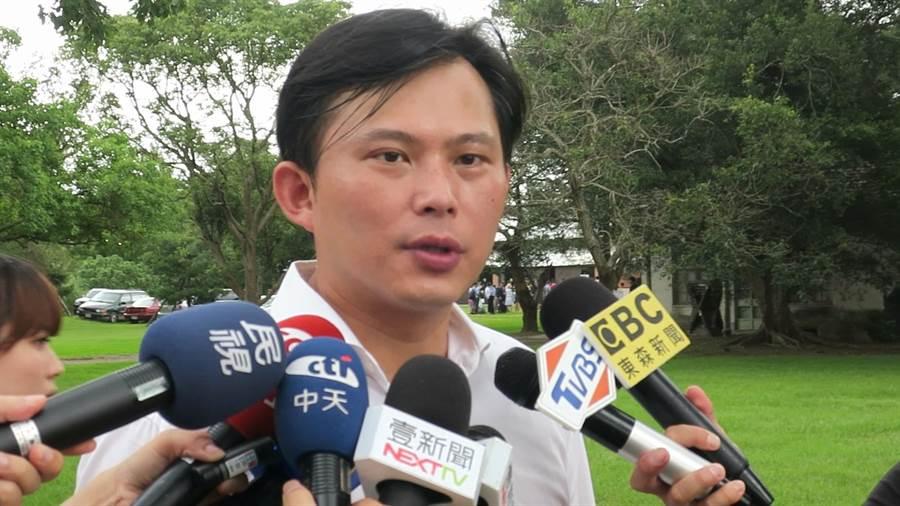 時代力量黨主席、立委黃國昌出席林飛帆婚宴。(謝瓊雲攝)