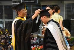 海洋大學勉畢業生 要有正確的態度和人格