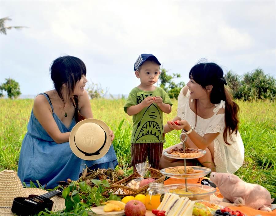 因此屏東縣政府與墾管處,今年以「野餐」為主題舉辦音樂會市集。(周綾昀翻攝)