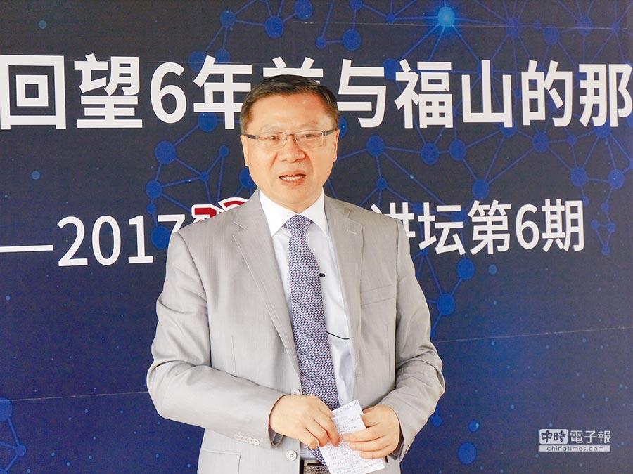 中國發展模式理論大師、復旦大學中國研究院院長張維為12日表示,台灣政府若執意選擇台獨模式,在經濟上無異於自殺模式。(記者張國威攝)