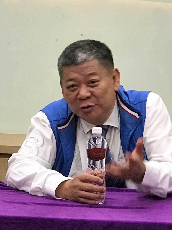 愛山林建設董事長祝文宇今早透露,未來2~3年大台北推案核心區將在江翠重劃區,僅算其手上代銷、自建案總銷金額即上看400億元。(王莫昀攝影)