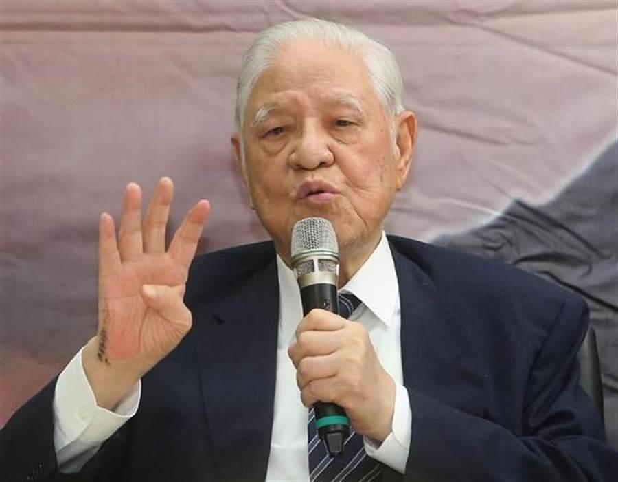 李登輝(圖)指李大維要為巴拿馬與台灣斷交負責任。王丰不滿說,李登輝難道想當「太上皇」?(本報系資料照片)