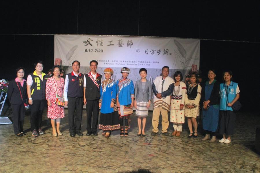 「女性工藝師的日常生活步調」靜態展,即日起在花蓮縣台灣原住民族文化館展出至7月29日。(張祈攝)