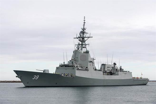 澳洲霍巴特號是6000噸大小的神盾艦,使用美國SPY-1相陣列雷達,與美國伯克級、日本金剛級、韓國世宗大王級都是一樣的雷達。(圖/澳洲皇家海軍)