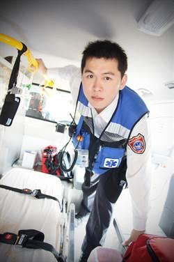 陳哲斌獲選全國十大傑出救護技術員第1名