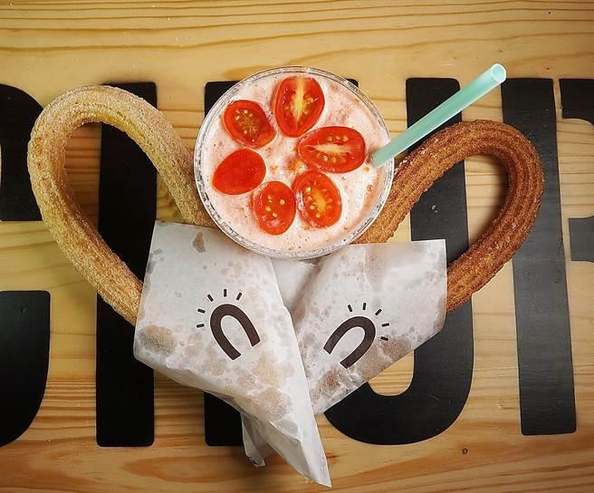 Street Churros的「吉拿圈」有肉桂與堅果穀物兩種口味,並有4種不同沾醬可以選擇。(圖/姚舜攝)