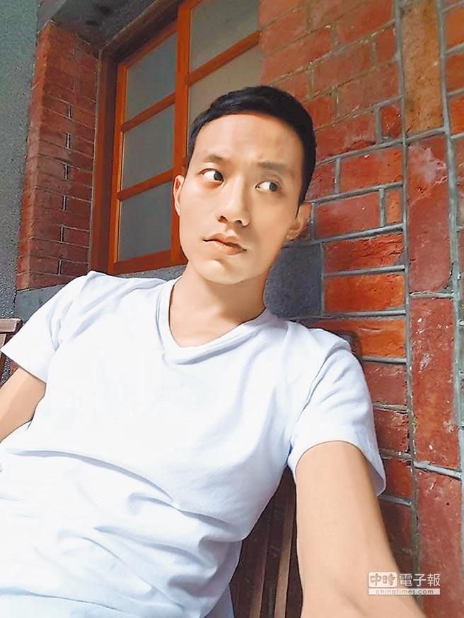 拍過許多作品卻讓人印象不深的張哲豪,因演出《台北物語》開始有人找他簽名。(取材自臉書)