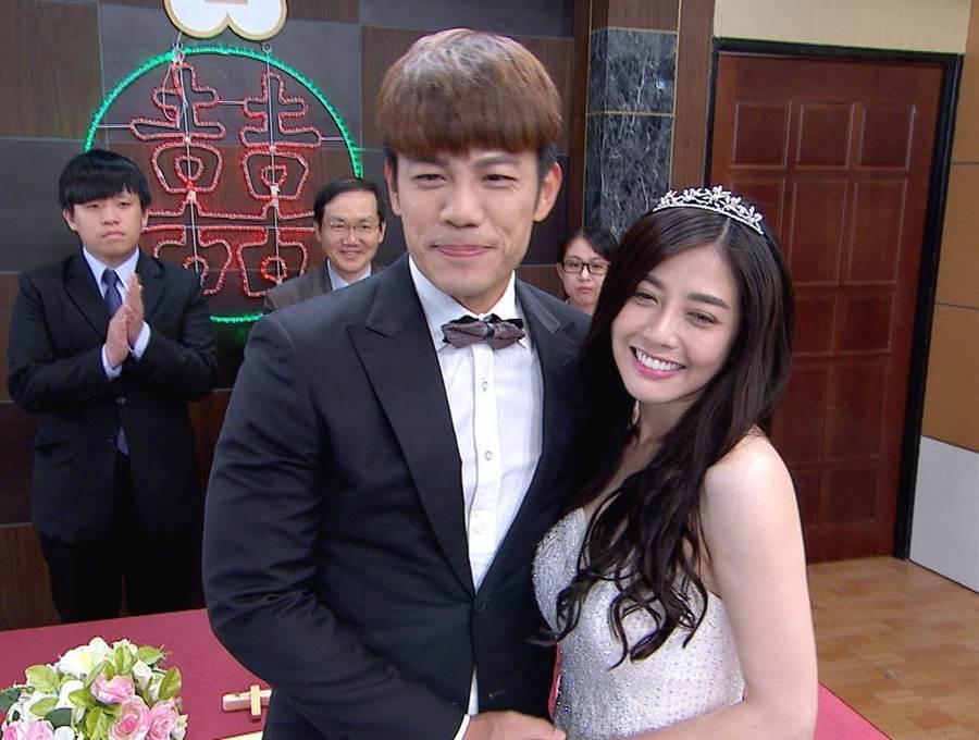 陳志強(左)與韓瑜演夫妻。(圖/三立提供)