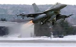 俄國防部長座機 遭北約F16戰機迫近