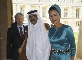 復仇女神與時尚偶像:卡達皇太后莫扎