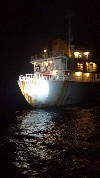 陸油船越界來台 海上非法買賣油品
