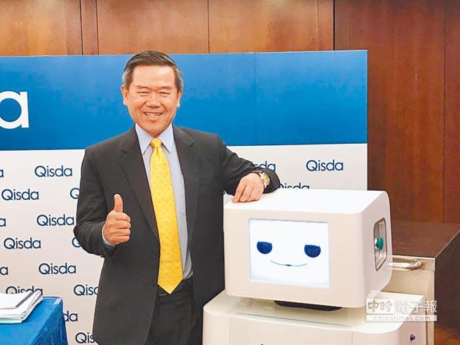 佳世達推出運輸機器人MiBot,用以運送手術房髒污、器械,減少交叉感染風險,提升30%手術室運轉率。圖為佳世達總經理陳其宏。圖/袁顥庭