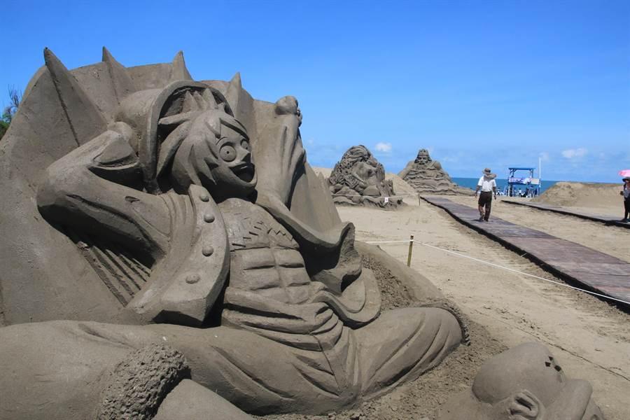 一見雙雕藝術季將在7月1日正式開幕,馬沙溝濱海遊憩區的8座沙雕已經完成,新廠商進駐,即日起到6月底開始試營運,免費開放民眾入場參觀。(莊曜聰攝)