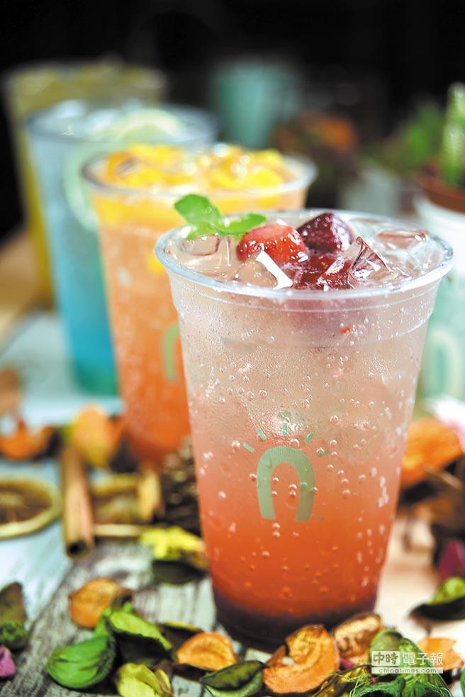 為了迎接盛夏到來,Street Churros研發推出了多款色艷繽紛的汽泡飲。圖/姚舜