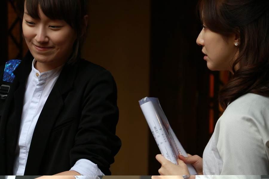 李京恬(左)在《偽婚男女》愛上自己的嫂嫂。(Vidol)