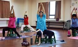 延緩老化 屏縣為身障者開瑜珈課