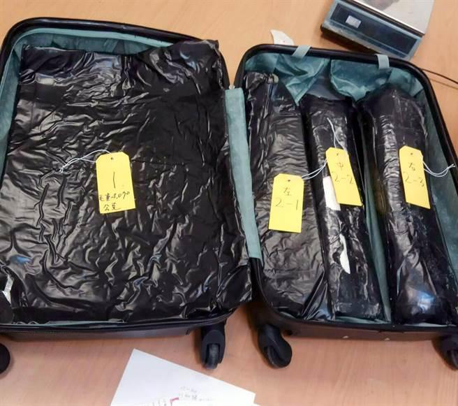 航警局破獲史上最大宗古柯鹼走私案,數量高達8公斤。(范揚光翻攝)