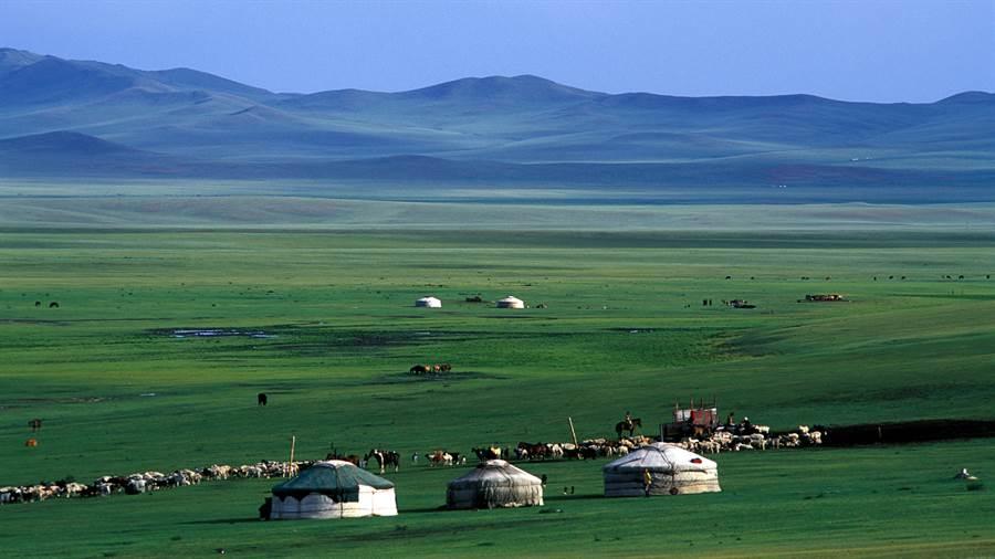 蒙古美麗寬闊的大草原。圖:國泰提供