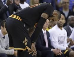 NBA》詹皇拒幫騎士招募 預告明年走人?