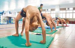 屢破紀錄 青溪國小泳冠全國