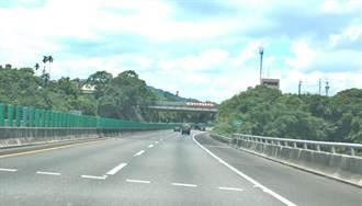 國道六號天橋架設測速照相  國道7隊被指搶錢搶太兇