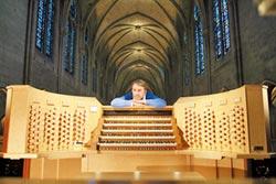 拉特利3度訪台 管風琴秀即興
