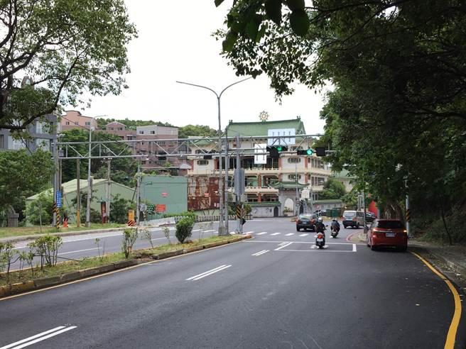 新竹市寶山路將在7日下午進行調撥車道模擬測試。(徐養齡攝)
