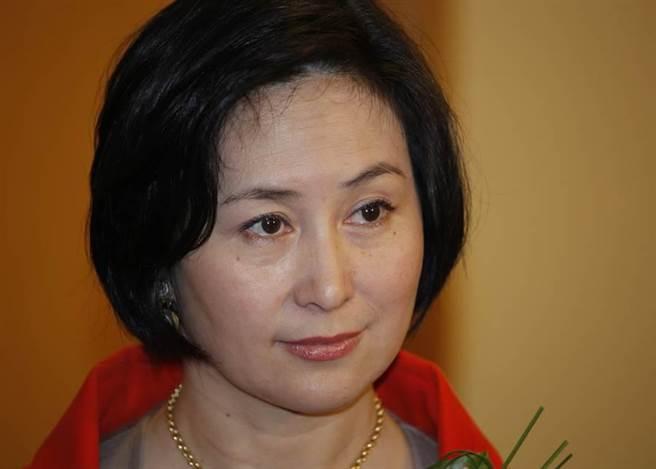 澳門賭王二房長女何超瓊今年6月底正式接棒,攝於2011年。(圖/美聯社)