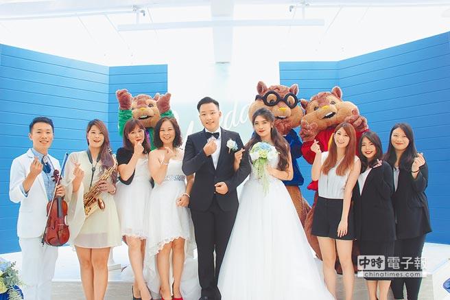 高雄富野飯店攜手東東餐飲集團打造的「陽光雲頂」證婚會場,正式啟用。圖/業者提供