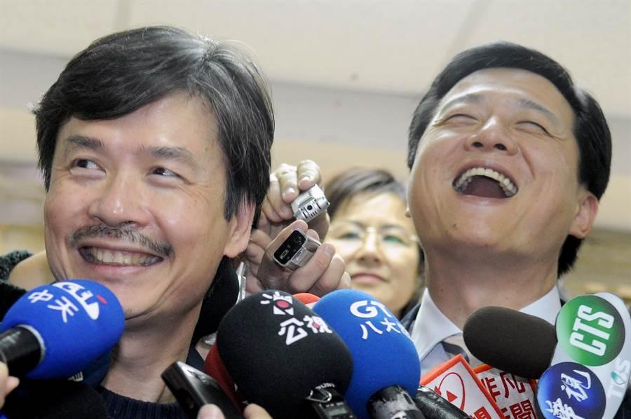 前台北縣長周錫瑋(右)透露遭到前國民黨秘書長金溥聰(左)逼退,金溥聰晚間做出回應。(本報資料照片)