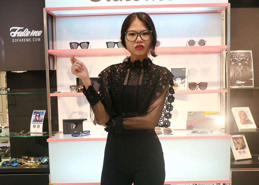 時尚產業應選擇第一眼就能展現時尚敏感度的鏡款。(柯宗緯攝)