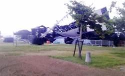 東石漁人碼頭舞台被吹垮 16日晚活動臨時喊卡