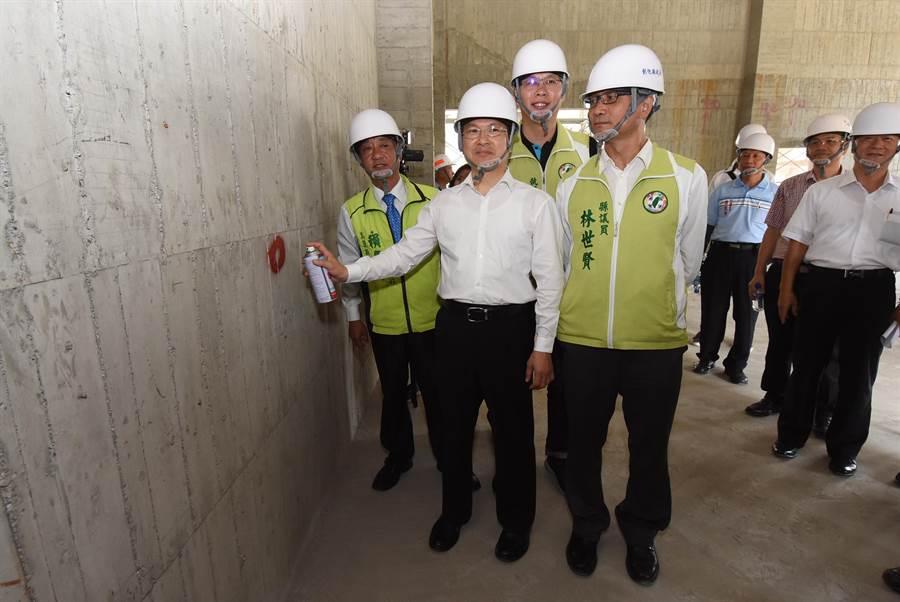 彰化縣史上最大採工程「彰化市汙水下水道系統水資源回收中心」推進中。 (吳敏菁攝)