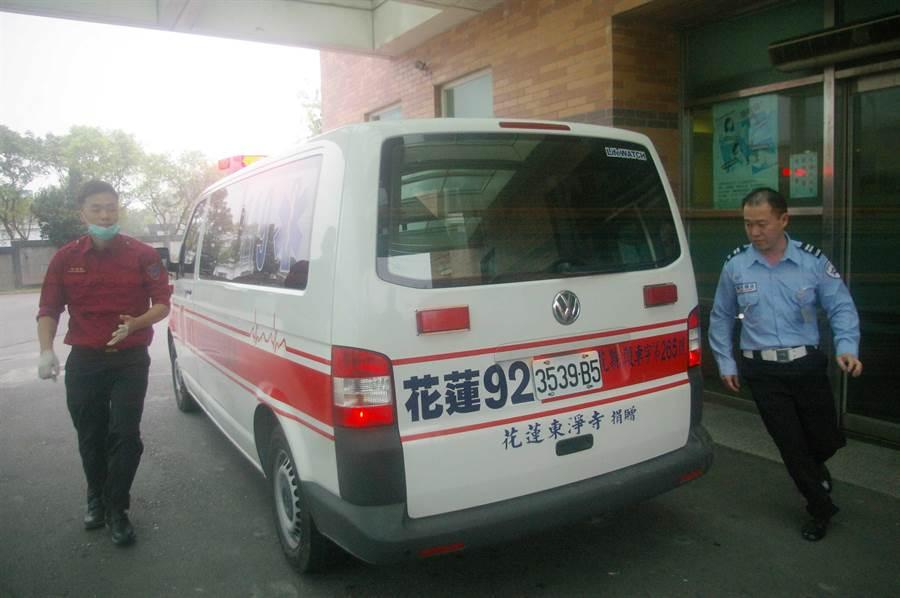 國軍結合消防局救護系統,共享緊急救護資源。(許家寧攝)