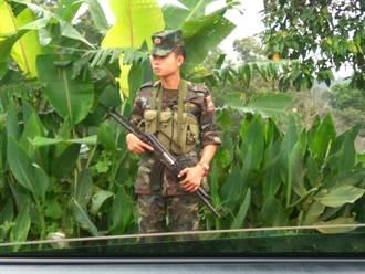 戰亂頻仍泰緬邊境教育 炮火中匍匐前進