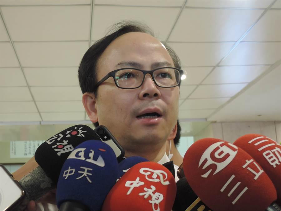 基隆長庚副院長洪明銳指出,劉文雄狀況並不樂觀。(張穎齊攝)