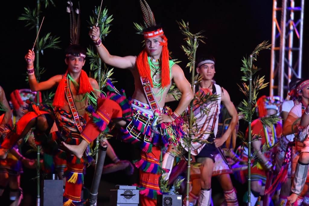 活動中透過樂舞展演,讓民眾一次感受到花蓮縣六大原住民族的樂舞風采。(圖/胡俊彥提供)