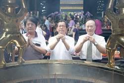 反滅香遊行在即 李應元赴龍山寺上香滅火