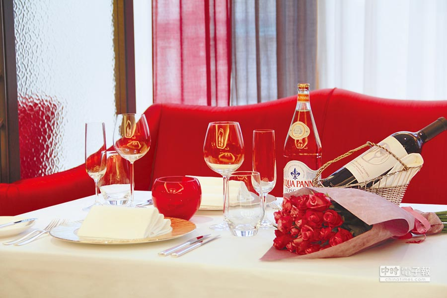 亞都麗緻「巴黎廳1930」餐廳已有近40年歷史,在此成功求婚的佳偶高達近2000對。(亞都麗緻飯店提供)