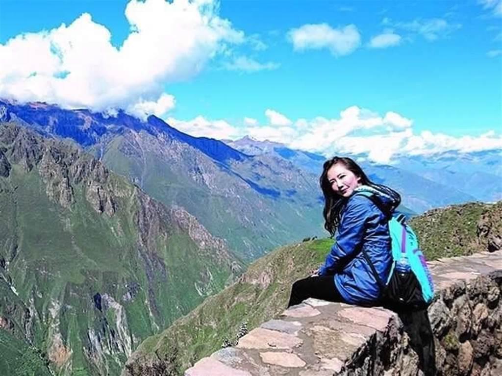 謝忻挑戰4000公尺高山引發高山症。(圖/截自外景小公主- 謝忻的粉絲團)