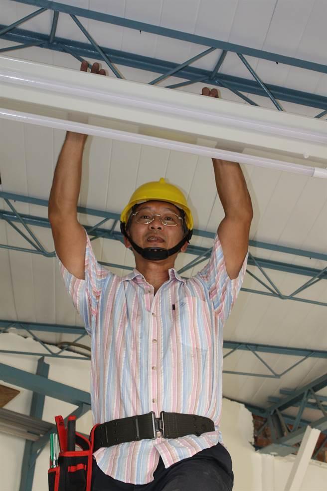 54歲的陳柏年退休參訓培養第二專長,開創事業第二春。(吳江泉攝)