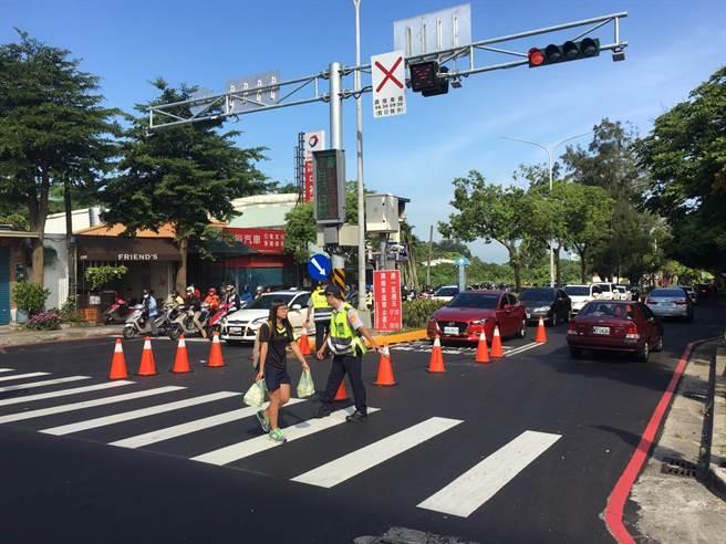 新竹市寶山路調撥車道政策25日上路。(徐養齡攝)