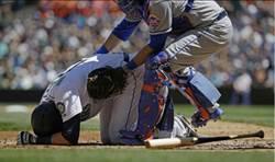 MLB》好痛!水手菜鳥被觸身球打臉